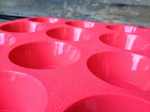 grazia silicone mini muffin pan close up | maegal.blogspot.com