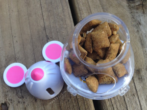 filled snacky mouse toy | maegal.com