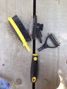 FurBuddy Grooming Brush | maegal.com